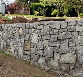 Cena kamenné zdi